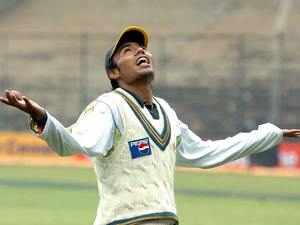 Kaneria wants BCCI to connect him to ICC so that he can get his ban lifted, imposed on him for his alleged role in spot-fixing in County cricket.