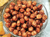 At the NCDEX, chana for delivery in April rose by Rs 11, or 0.26 per cent, to Rs 4,273 per quintal, with an open interest of 26,820 lots.