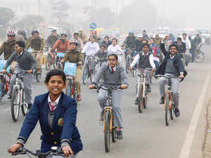 A car-free day was today kicked off in North Delhi with a cycle rally led by Deputy Chief Minister Manish Sisodia, who accused the Delhi Police of not making efforts to make the event a success.