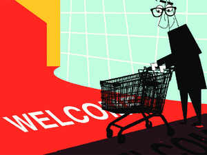 Small and medium sized retailers selling products on e-commerce platforms have asked the government to form a liberal policy for the online retailing sector.