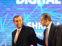Reliance Communications Friday reported a drop in its third profits as the company lost its voice service customers in five service areas where it failed to renew licenses in 2015, even though it has migrated some customers to 3G service and covered the area through agreements with Vodafone India and Aircel.