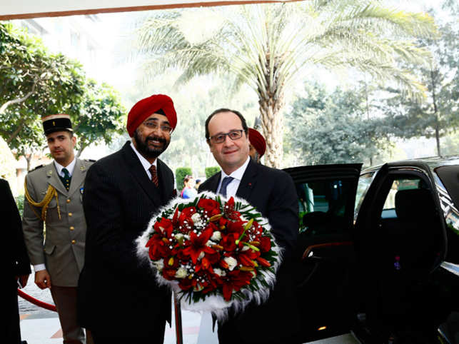 The lobby of Taj Chandigarh, where the French president is staying, was decorated with daisy, orchids, chrysanthemum and roses for his welcome.