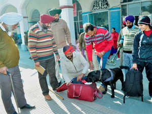 After the bag was detected at around 11.30 AM, people were swiftly evacuated from the area and rail traffic was halted on the route in the district. (Representative image)