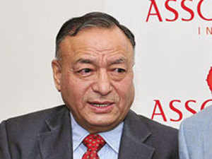 As the world looks up to India to provide a leadership role in pushing global economic growth, the government has no option but to make some big bang announcements in the forthcoming Budget to resurrect investment in the public projects, or else the Indian economy can soon catch up the Chinese flu with serious consequences, apex industry body Assocham said on Wednesday.