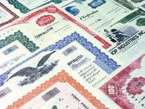 Government bond (G-Secs) prices fell after a brief recovery following renewed selling pressure from corporates as well as foreign funds.