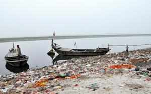 The district administration ordered to demolish any illegal construction within 500 metre of the river bank.