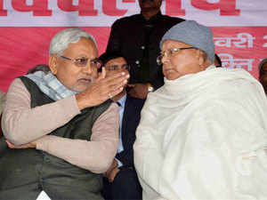 Nitish and  Lalu Prasad attack the Centre for not selecting any city of Bihar and Uttar Pradesh in the list of 20 chosen for converting them into smart city.