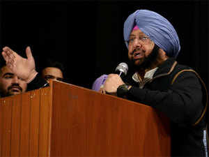 """Amarinder Singh regretted the absence of a Sikh regiment contingent in this year's Republic Day parade and termed it as a """"grave omission""""."""