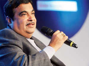 Nitin Gadkari said that this is the first time that all shipping corporations will be in profit and government is targeting Rs 6,000 crore as profit this year.