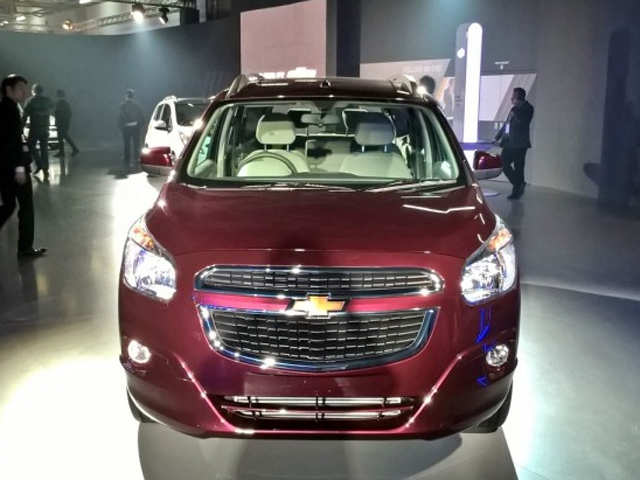 Exterior Chevrolet Spin Showcased At Auto Expo 2016 What You