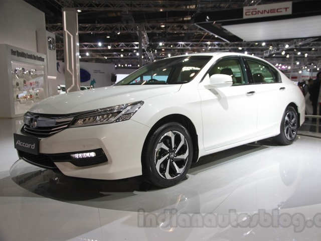 Auto Expo 2016 Honda Accord Hybrid