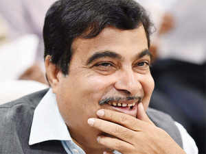 """Gadkari said, """"3L people get injured and 1.5L are killed in accidents. Main reason is traffic congestion. Therefore, to save lives of people, govt has decided to extend national highways."""