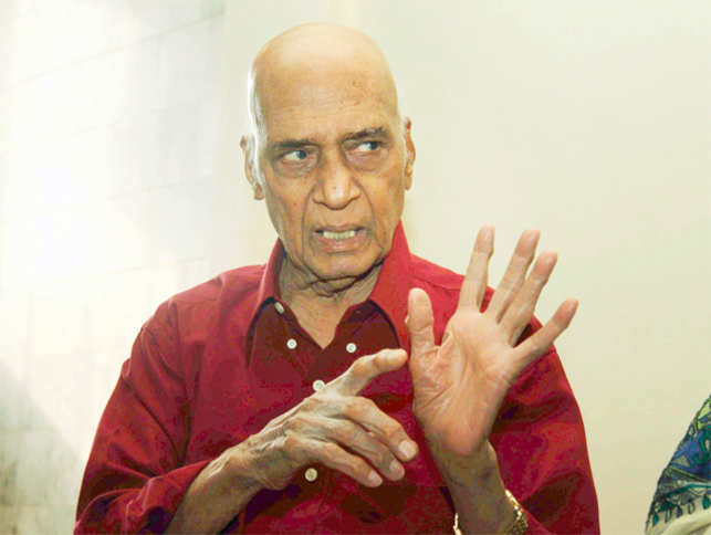 Khayyam will donate his entire savings that amounts to Rs 10 crore to support artists & technicians through his charitable trust.