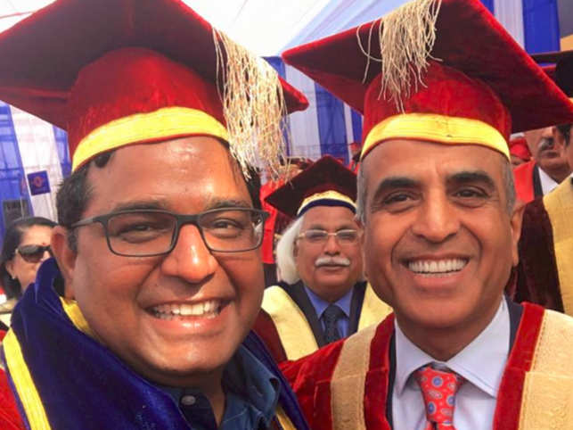 When Vijay Shekhar Sharma received an honorary doctorate degree alongside Sharma Sunil Mittal, it was a fanboy moment for the Paytm CEO. (Image: Facebook)