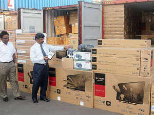 Total import of electronics goods grew over 15 per cent to reach an estimated Rs 2,25,600 crore in 2014-15 over the previous fiscal.