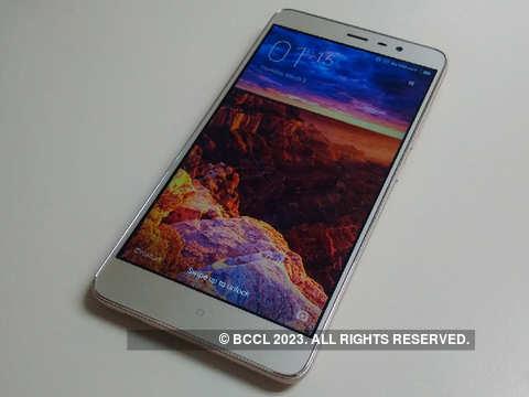 3) MicroSD card slot - Xiaomi Redmi Note 3: Five things to
