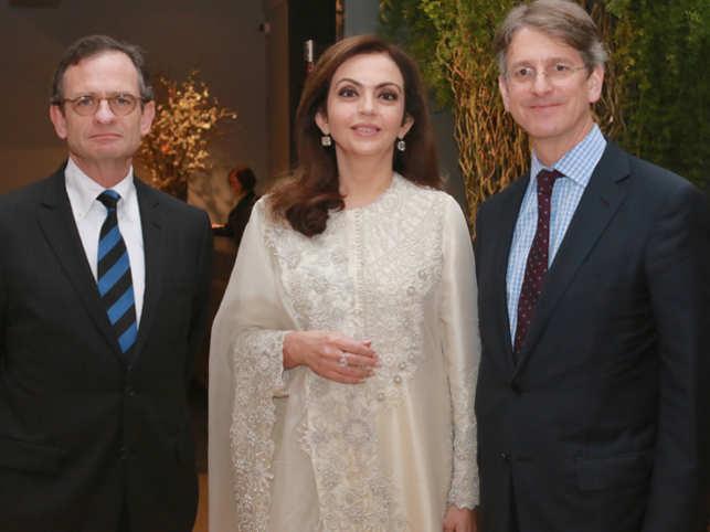 Metropolitan Museum of Art in New York will host a retrospective of modern artist Nasreen Mohamedi's works.