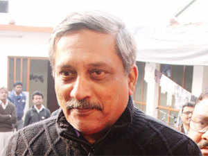 Foreign defence vendors' contracts to be cut in 2 years: Manohar Parrikar
