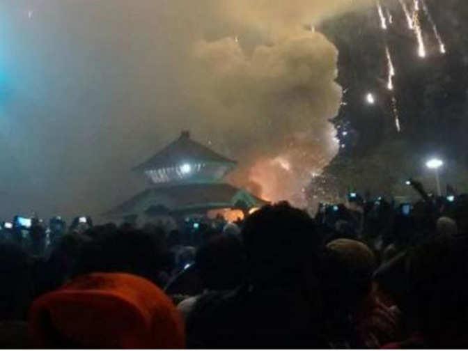 110 killed, 280 injured in Kerala Temple fireworks tragedy