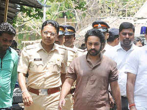 Nilesh Rane arrested in case of assault on Sawant, a party