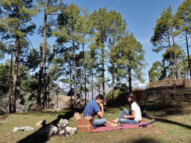 A Mussoorie of silent cedar forests, quiet trails, colonial bars and hotels where you can stay immersed, reading, writing or waiting for Godot, villages you can drive down to discover pahari grains and greens