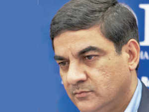 Bhandari first showed up on the radar of investigative agencies in 2010 for alleged involvement in a contract for the Indian Air force. He is the main promoter of OIS.