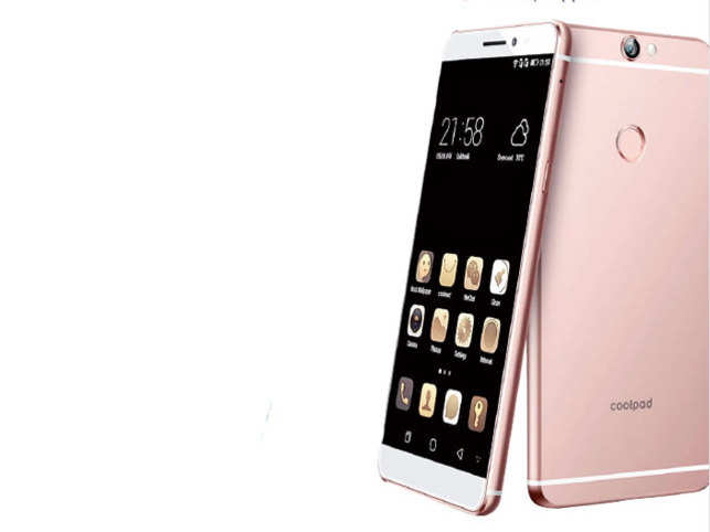 Where the Coolpad Note 3 and Note 3 Lite has a simple, almost generic design, the Coolpad Max is rich on style.