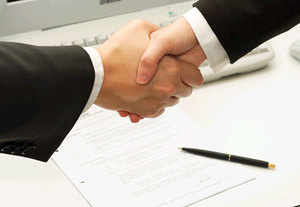 Top 10 paymasters  Fall in love with your job Job Switch  Have an edge over competitive colleagues