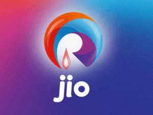 Amitabh Jaipuria, president and mobility business head of Reliance Jio Infocomm, is said to have stepped down ahead of the Mukesh Ambani-led telecom entrant's much-awaited commercial launch of 4G services.