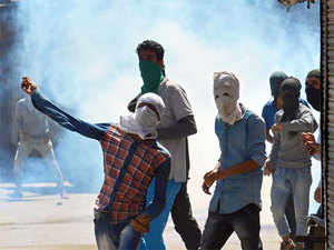 """Thirty seven people have been arrested in Jammu and Kashmir for allegedly providing hawala money for """"spreading"""" militant activities."""