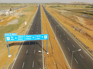 The road transport and highways ministry plans to make first rankings, based on continuous data collection through a mobile application and feedback through other modes.