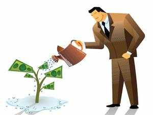 NPS Tier II funds perform better than mutual funds due to low costs. But ambiguity over taxation and other problems keep investors away.
