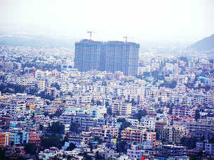 Reasons behind downfall of real estate market