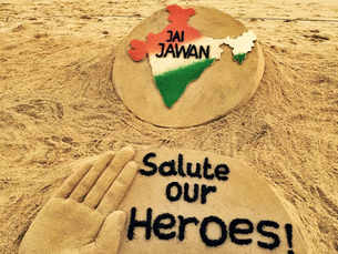 India pays homage to Kargil martyrs on Vijay Diwas