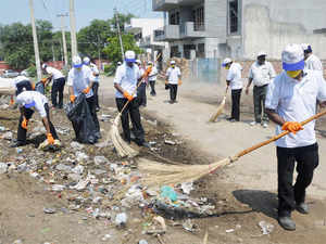 """""""The amount of Swachh Bharat Abhiyan cess collected in financial year 2015-16 is Rs 3901.78 crore,"""" Minister of State for Finance Santosh Kumar Gangwar said in a written reply to Rajya Sabha today."""
