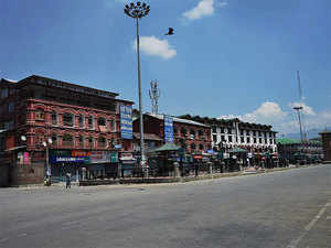 A deserted veiw of Lal Chowk during 28th day of curfew in Srinagar.