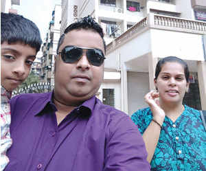 Sivakumar Iyer with his wife & son