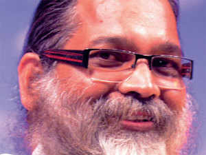 Born in Dhenkanal, Gadanayak is an alumnus of BK College of Arts & Crafts in Bhubaneshwar.