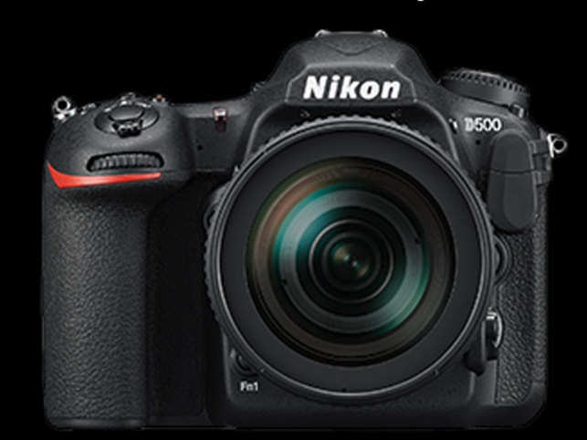 The Nikon-500 can go up to 10 frames per second in full resolution JPEG when supported by the right high-speed SD card. The quiet modes are noticeably quieter — useful when shooting wildlife or in quiet environments – it can go up to 3 frames per second in Qc mode.