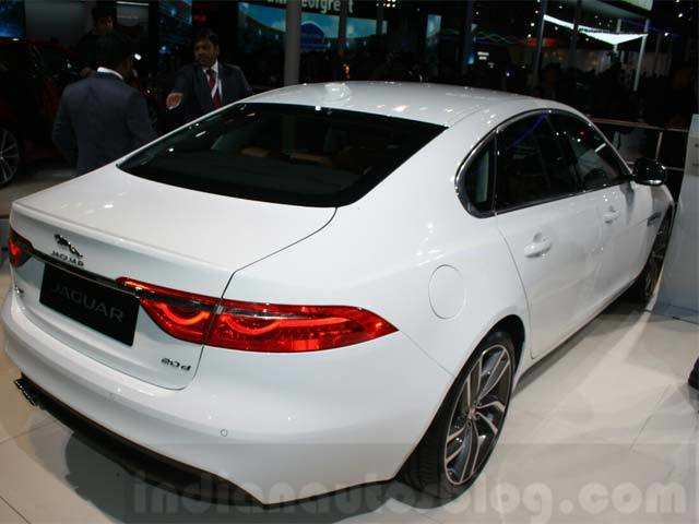 New Diesel Engine Jaguar Xf 2016 Launched In India Prices Starts