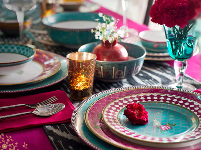 A gorgeous table setting can make all the difference to your festive party scene.
