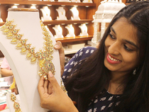 Analysts attributed the recovery in gold prices to increased buying by ornament makers and retailers, triggered by ongoing festive season.