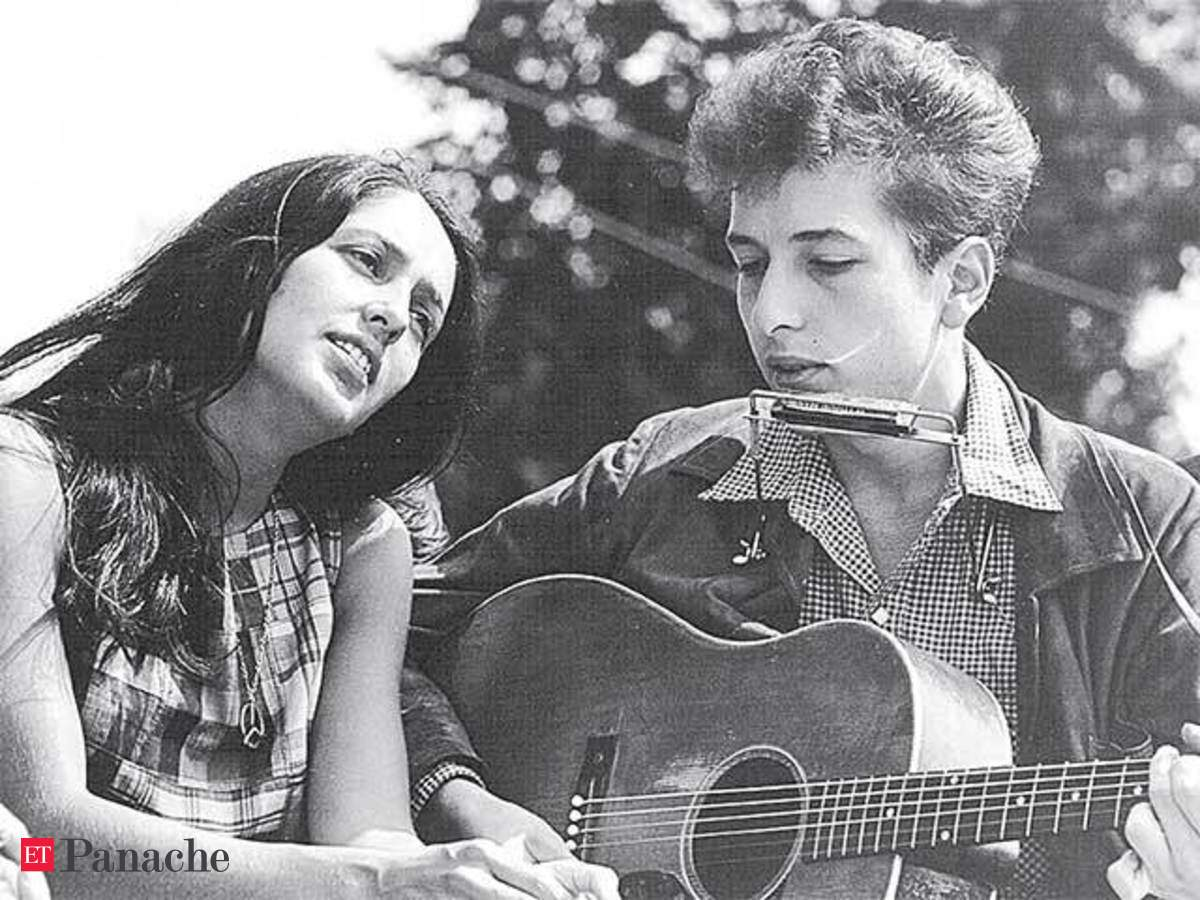 The poet's poet: 'Queen of folk' Joan Baez and Bob Dylan - The Economic  Times