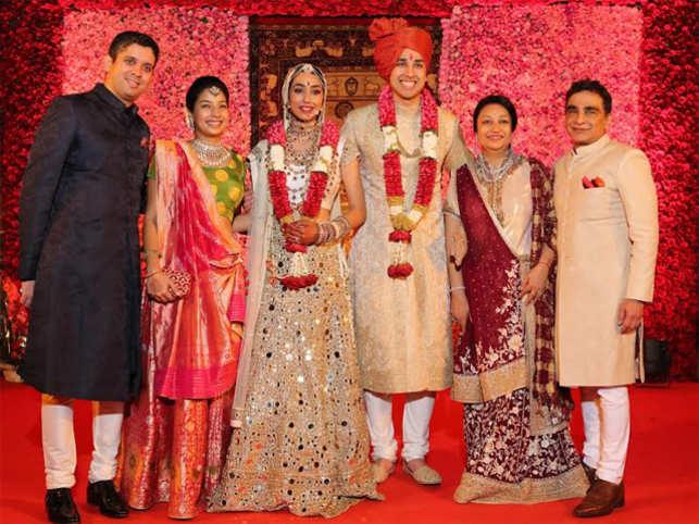 Mukand Md Rajesh Shah S Son Gets Married Mukesh Ambani Joins The