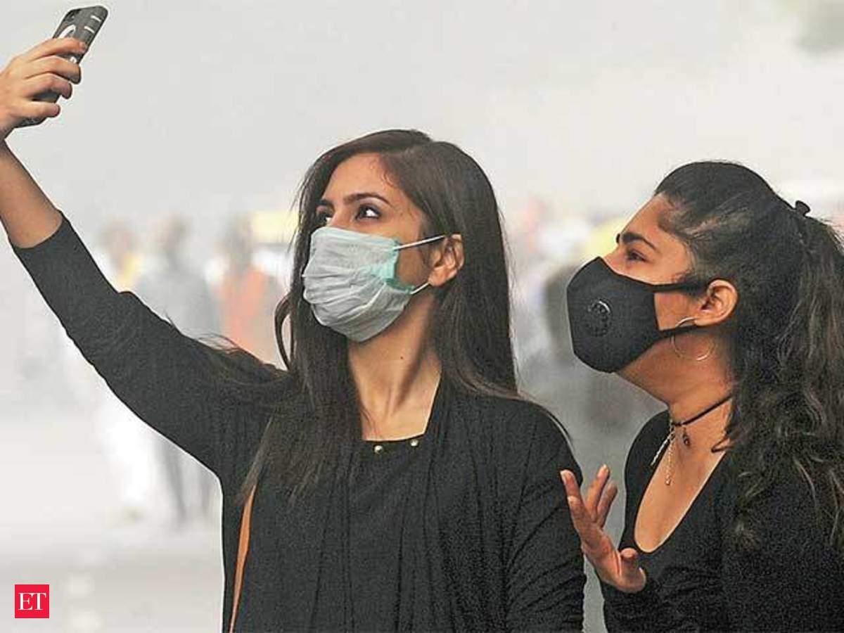 Updates With Of Delhi Becomes Necessity Mother Masks Pollution