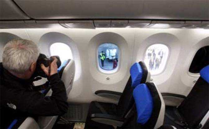 Interior of boeing 787 dreamliner the economic times for Interior 787 dreamliner