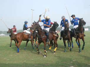 No sun, but lots of fun at the Maharaja Pratap Cup polo final