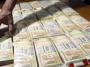The study found fewer counterfeit Rs 1000 notes than Rs 500 ones in circulation, but there were almost an equal number of fakes of Rs 500 and Rs 100.