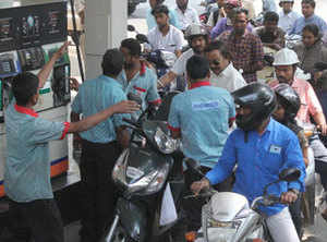 Swipe your card at petrol pumps to get up to Rs 2000