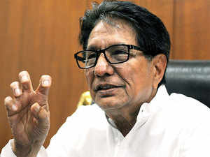 """Attacking Mulayam, Ajit Singh said during Bihar Assembly polls all 'Lohia wadi' and 'Charan Singh wadi' parties had agreed for an """"alliance with SP"""" but then SP declined."""